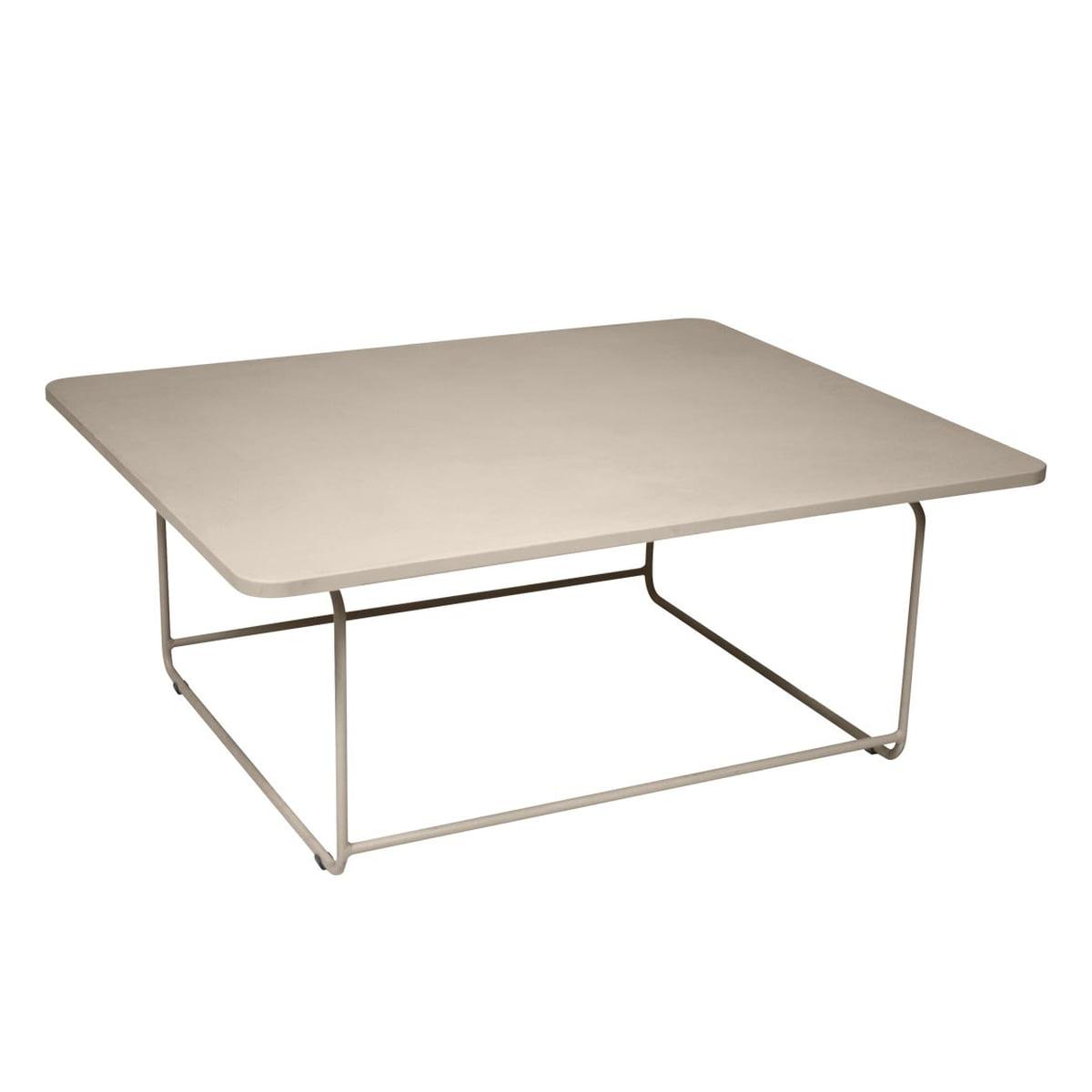 ellipse niedriger tisch von fermob. Black Bedroom Furniture Sets. Home Design Ideas