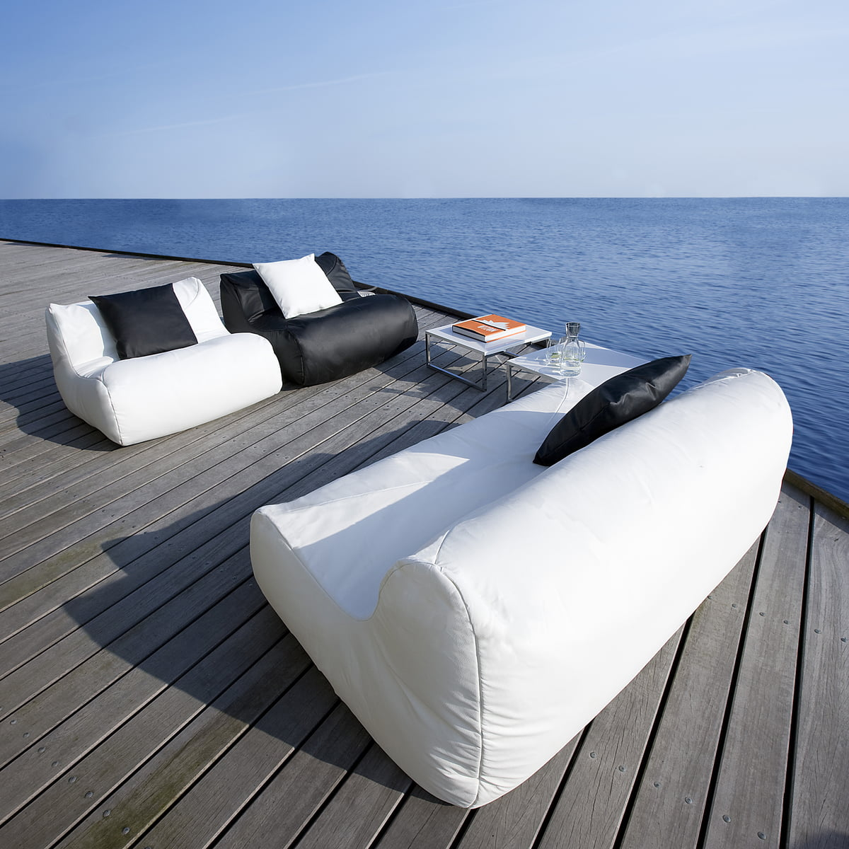 fluid sessel sitzsack outdoor von softline. Black Bedroom Furniture Sets. Home Design Ideas