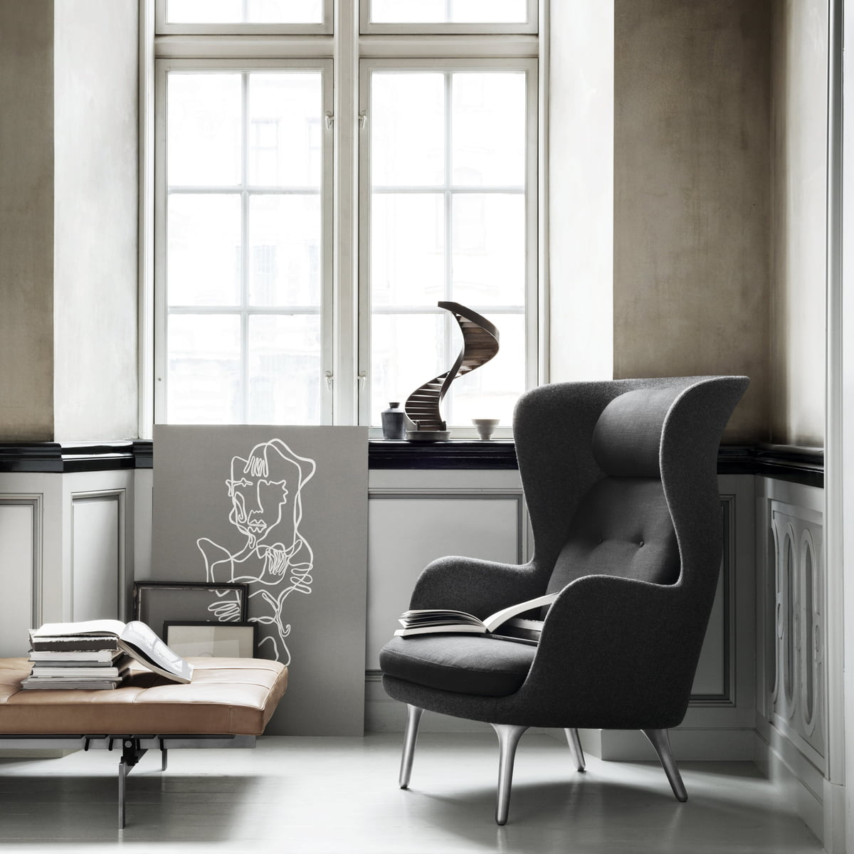 fritz hansen ro sessel im wohndesign shop. Black Bedroom Furniture Sets. Home Design Ideas