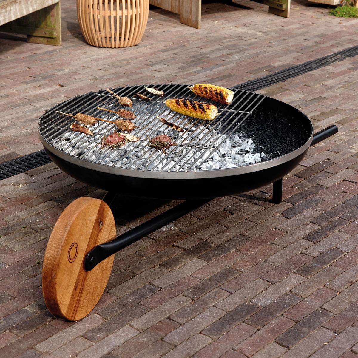 barrow feuerschale mit grillfunktion von konstantin slawinski. Black Bedroom Furniture Sets. Home Design Ideas