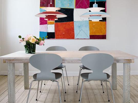 Der Stuhl Ameise Von Fritz Hansen Wurde Von Arne Jacobsen Designt. Trotz  Seiner Minimalistischen Form