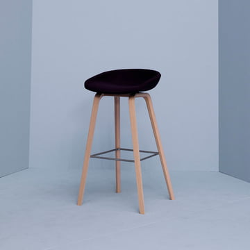 Hay - About A Stool AAS 32, Eiche / schwarz